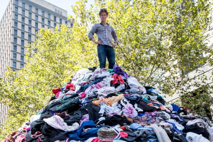 6000kg of clothes is sent to landfill in Australia every 10 minutes! Image: www.abc.net.au/waronwaste